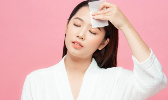 Oily, dehydrated skin can be solved!